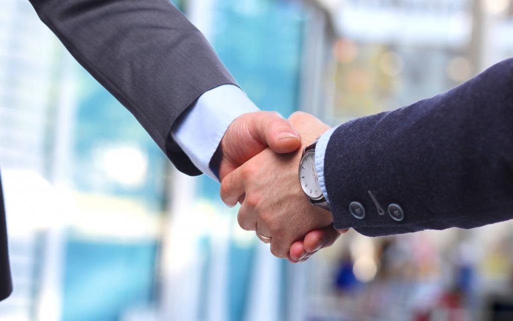 Quer fechar um bom negócio? Para convencer, é preciso ouvir