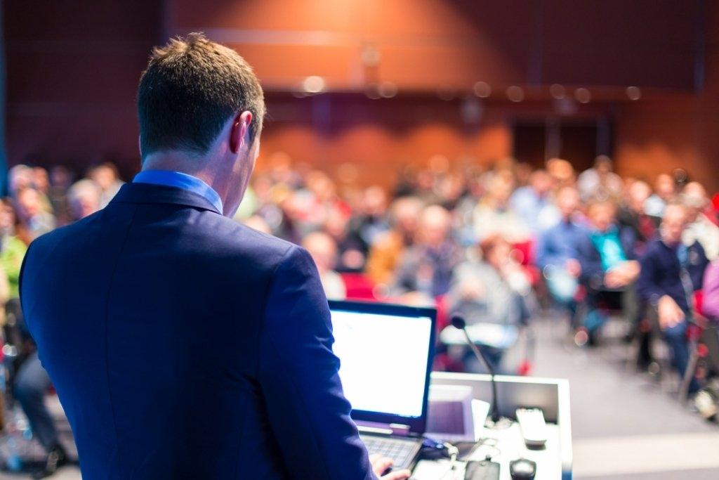 Oratória: Aprenda a falar em público