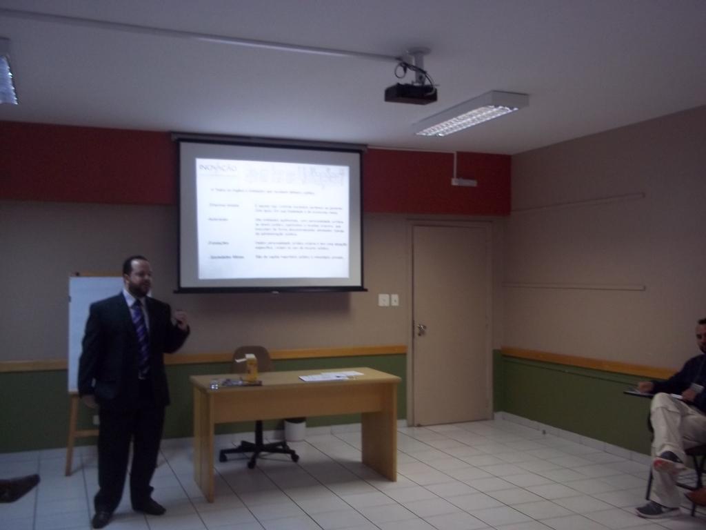 Marco Cito ministra treinamento de Licitações e Pregão Eletrônico